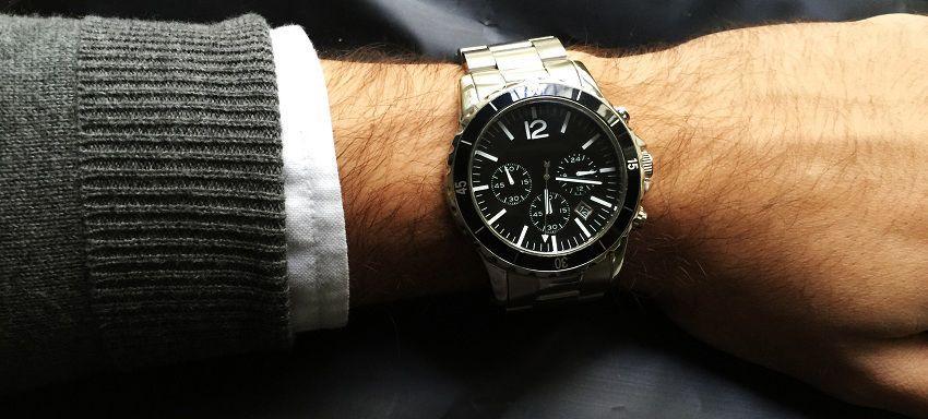 5046a98f9346 Si estabas buscando una guía de referencia práctica para decidirte sobre la  elección de un reloj para hombre como regalo